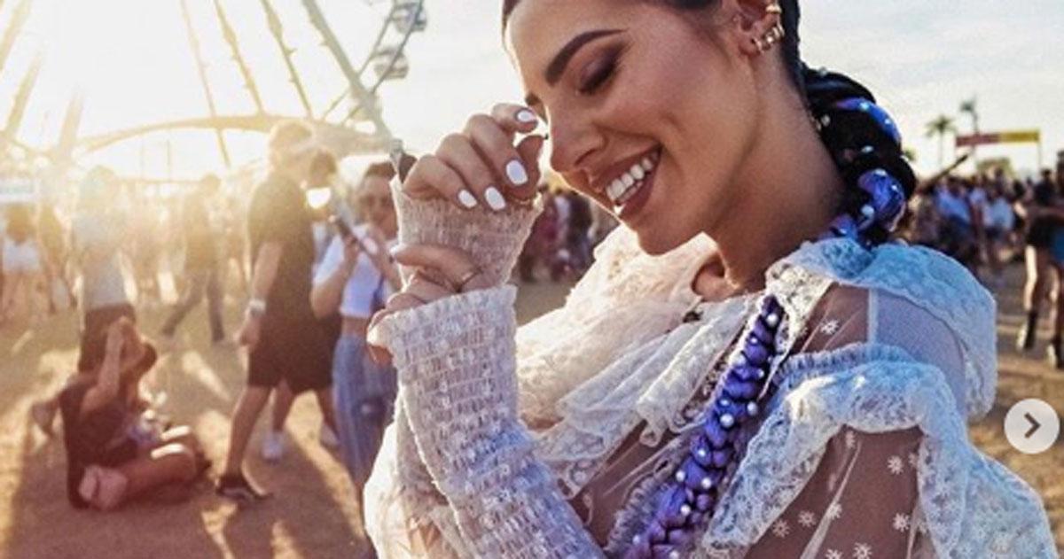 Giulia de Lellis al Coachella: il vestito trasparente fa impazzire i fan