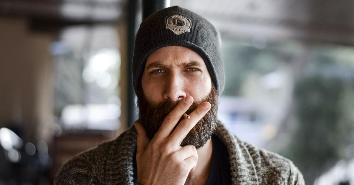 Ci sono più germi nella barba di un uomo che nel pelo dei cani, lo dice questo studio