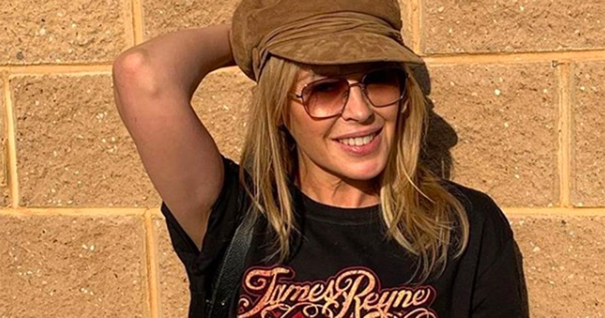 Kylie Minogue: compie 51 anni e pubblica la sua foto da bambina
