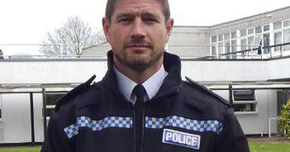 Tutte vogliono essere arrestate da lui: ecco l'agente più sexy della Gran Bretagna