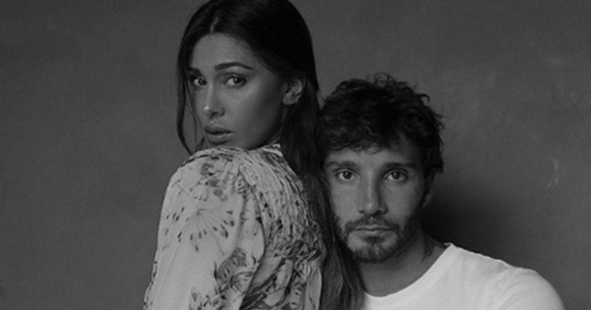 Belén e Stefano De Martino sempre più uniti: il video del bacio appassionato