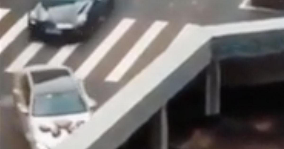 L'illusione ottica dei veicoli che spariscono nel nulla