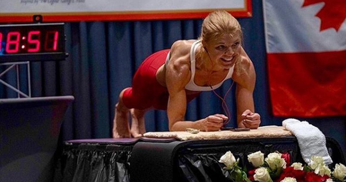 Questa atleta ha battuto il record mondiale di planking: ecco quanto ha resistito