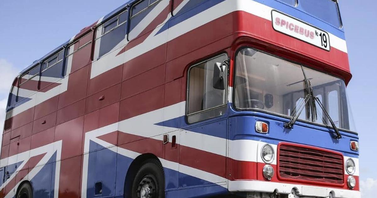 Spice Girls: ora è possibile dormire nel loro bus cult anni '90