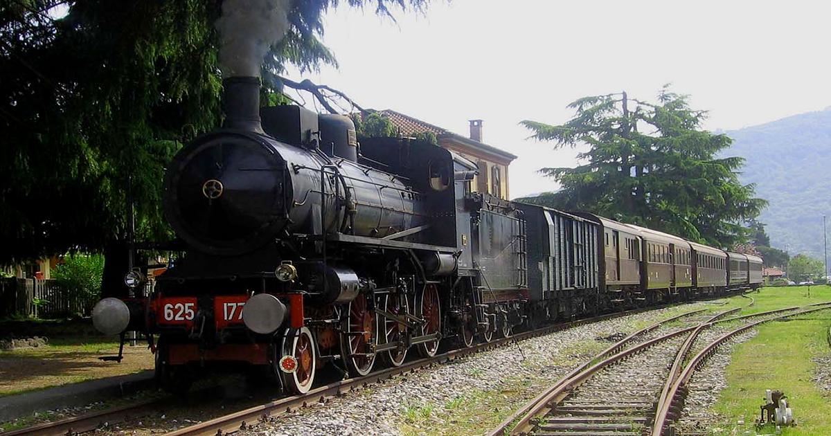 Un treno a vapore vi farà viaggiare tra le meraviglie della Val d'Orcia