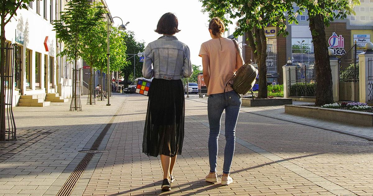 Camminare a passo spedito allunga la vita, lo dice la scienza