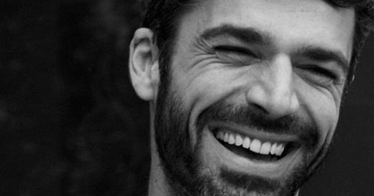 Luca Argentero presto sposo? La foto dell'anello regalato a Cristina Marino