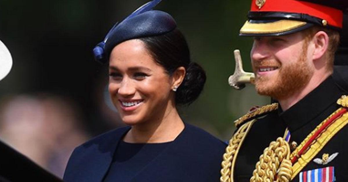 Trooping The Colour: Meghan Markle infrange il protocollo reale e viene 'sgridata' da Harry