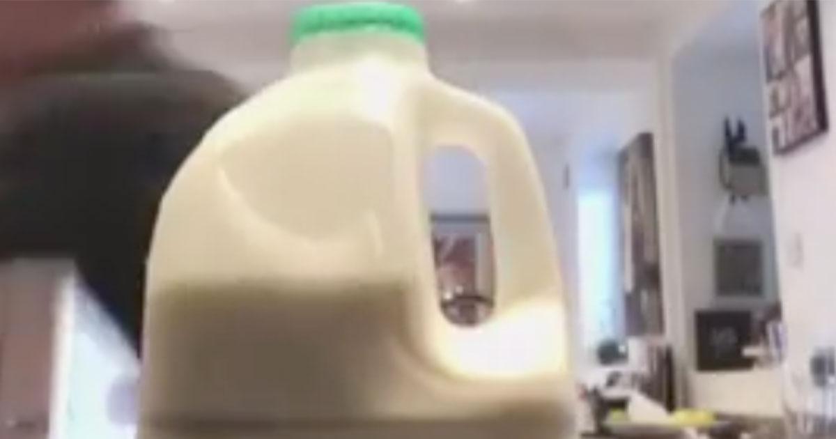 Il video della 'bottle cap challenge' fallita che diventa virale sul web