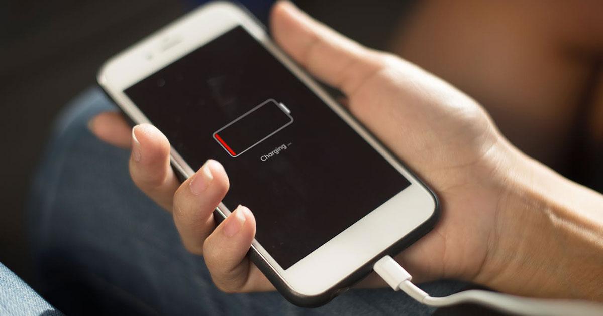 Il trucco (che non tutti conoscono) per ricaricare il cellulare più velocemente