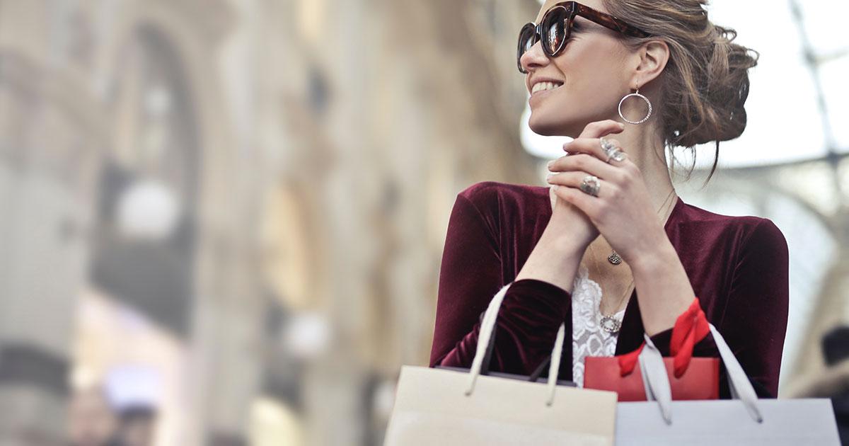 Il lavoro dei sogni: 5.000 dollari a settimana per fare shopping