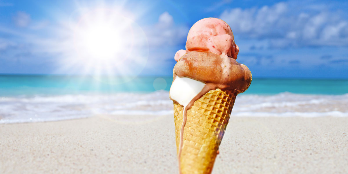 In Sardegna regalano il gelato a chi raccoglie i rifiuti in spiaggia