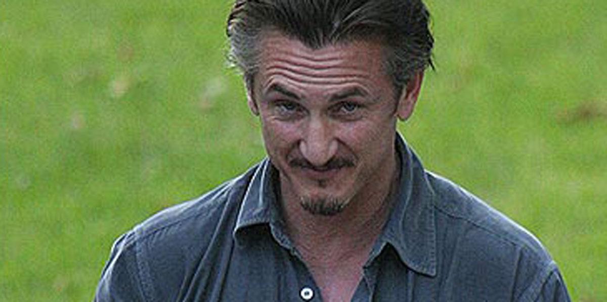 Sean Penn a Positano con la nuova fidanzata, che ha 31 anni in meno di lui