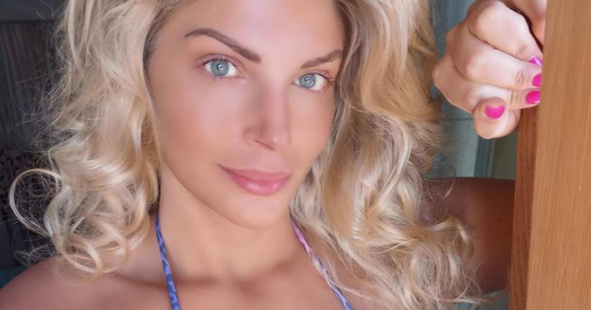 Francesca Cipriani, gli scatti delle vacanze infiammano i fan