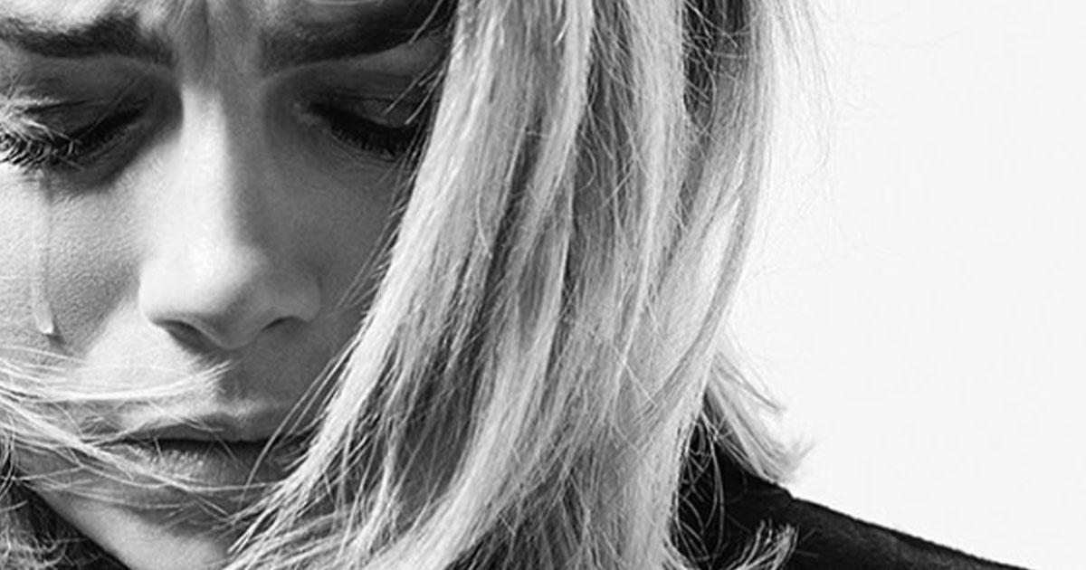 Emma Marrone, la foto in lacrime e il messaggio per i fan