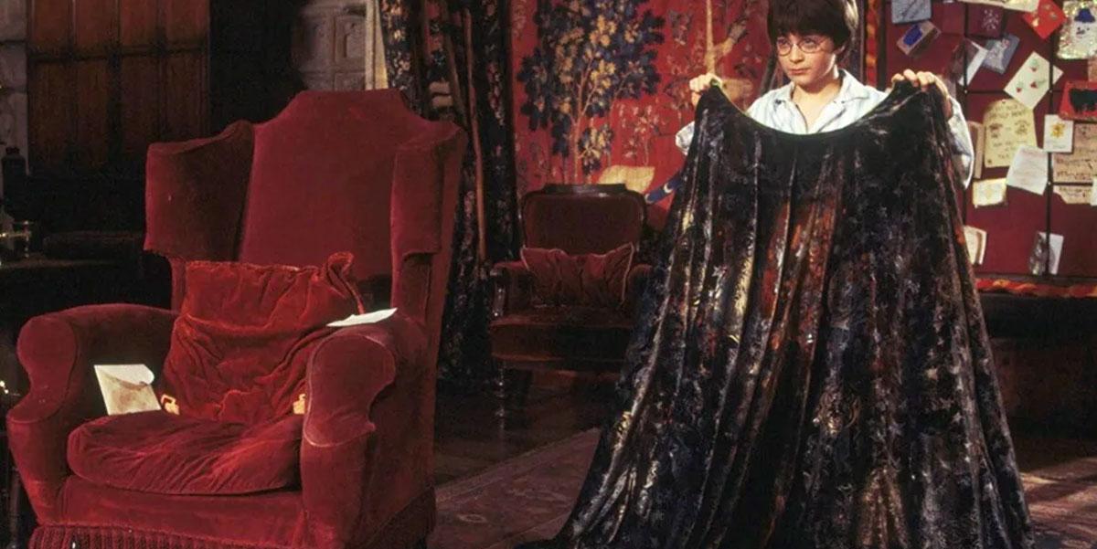 Il Mantello dell'Invisibilità di Harry Potter esiste davvero: ecco dove acquistarlo