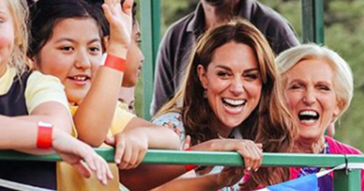 Kate Middleton sul trattore, ma l'attenzione è catturata da quel pancino sospetto
