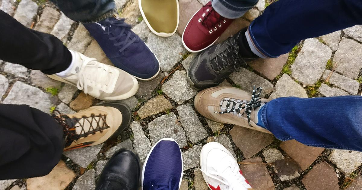 Togliersi le scarpe o no in casa? Cosa dice lo scienza