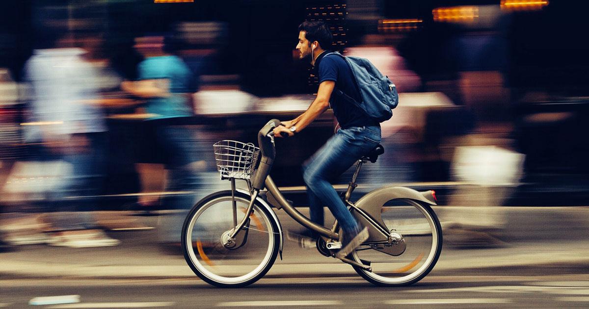 A Torino vieni pagato se vai al lavoro in bici: ecco come