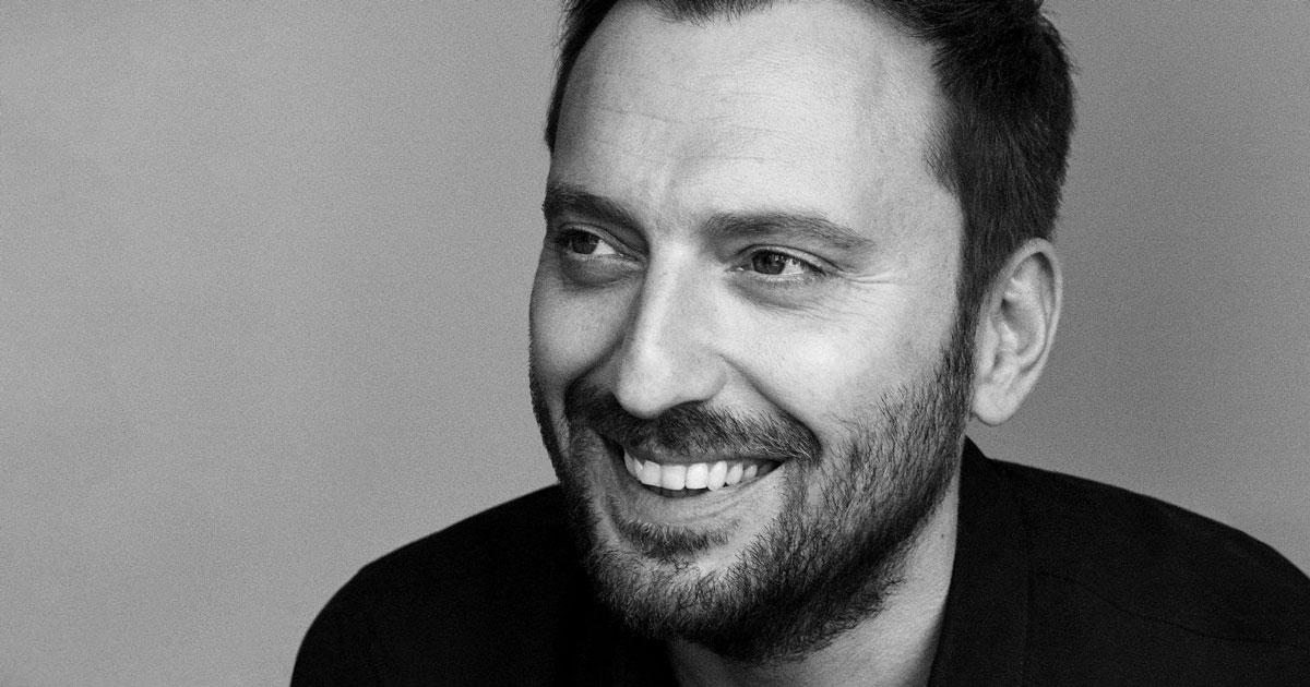 """Cesare Cremonini ha annunciato l'uscita del suo primo """"best of"""": conterrà 6 brani inediti"""