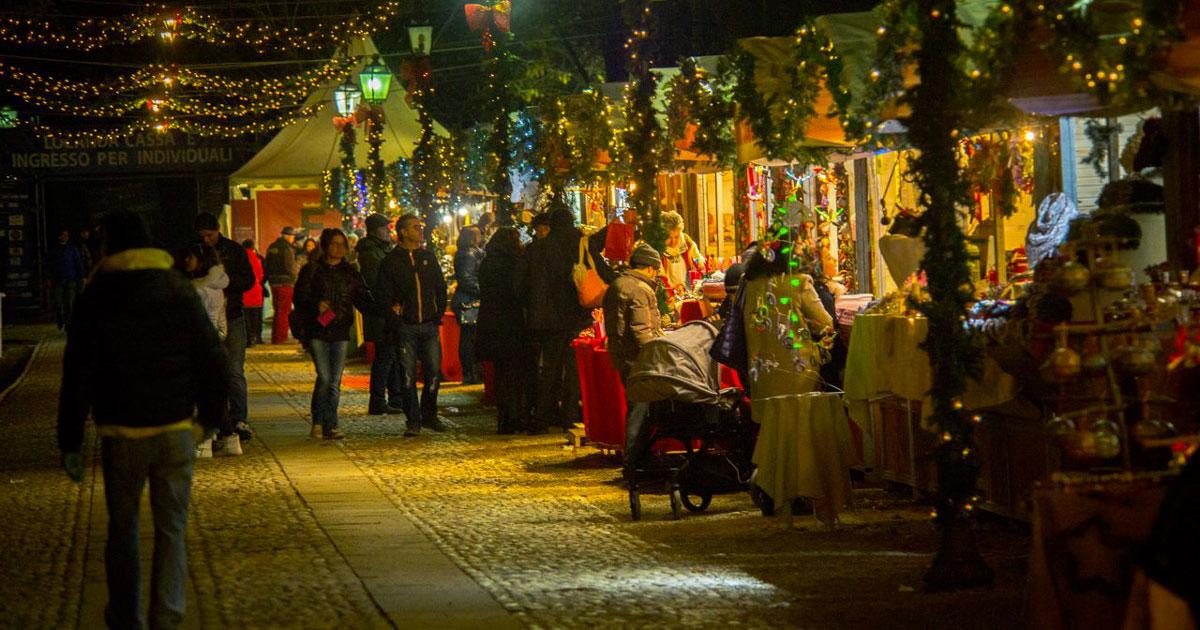 Apre il mercatino di natalizio più grande d'Italia