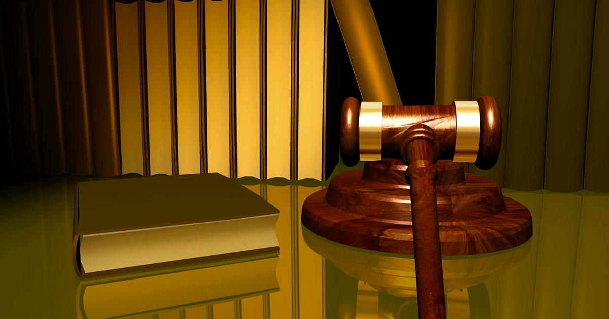 Fa causa all'amante della sua ex moglie e ottiene un risarcimento di 750.000 dollari