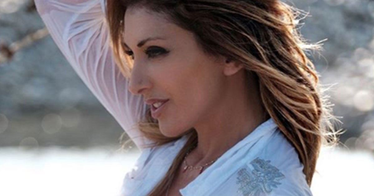 Sabrina Salerno da censura: la camicetta bagnata mostra tutto