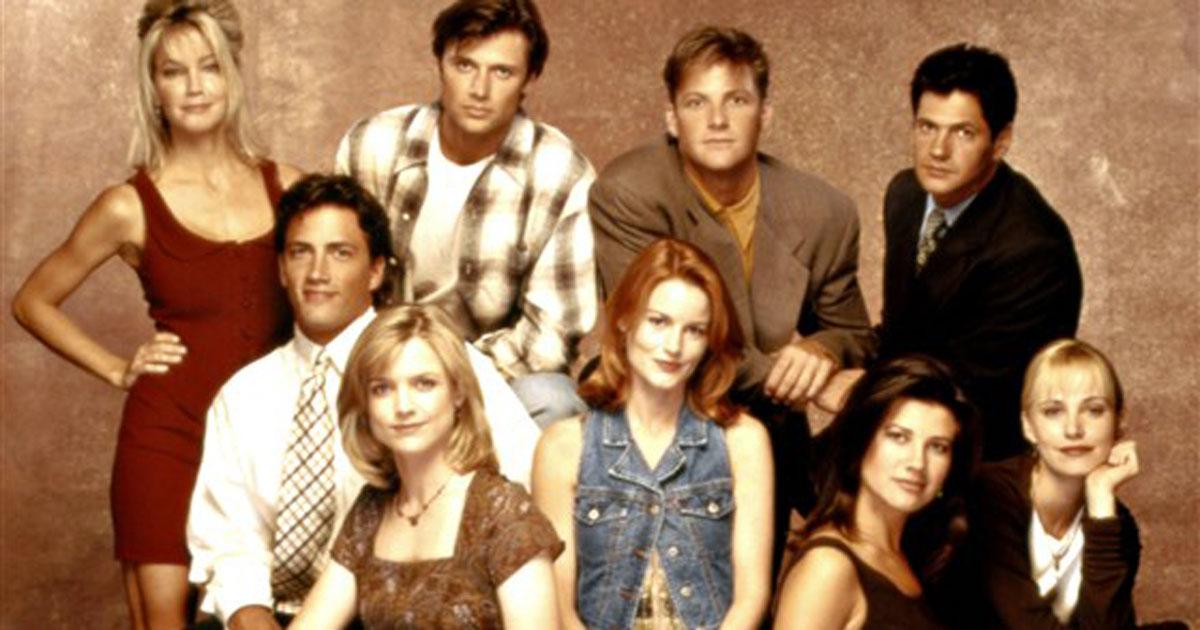 La reunion di 'Melrose Place': ecco come sono oggi i protagonisti della serie tv