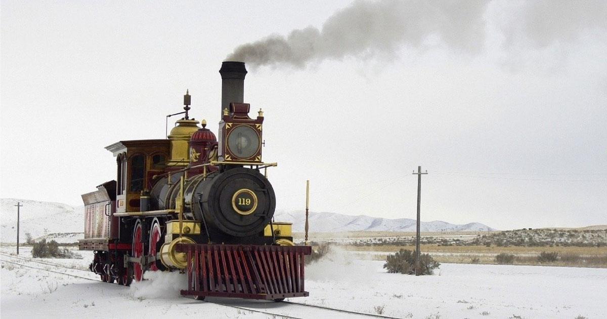 Ai mercatini di Natale di Trento a bordo di un treno a vapore