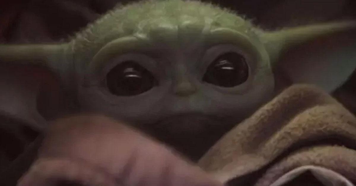Baby Yoda ha davvero conquistato tutti, anche gli Avengers