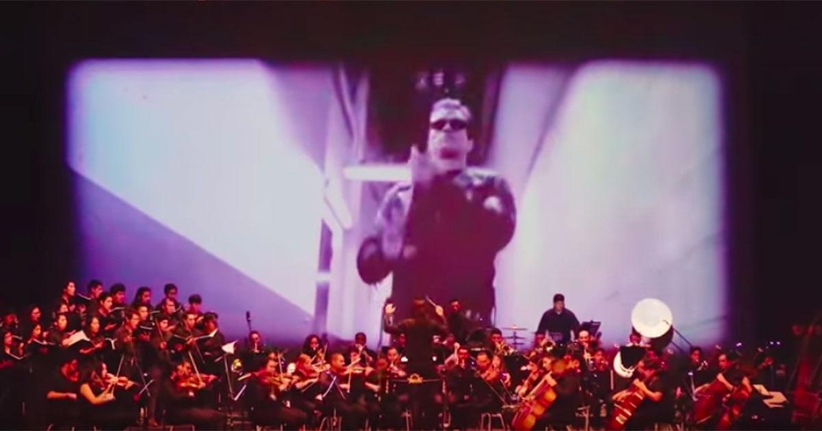 L'orchestra suona il brano di Terminator: l'interpretazione è da brividi