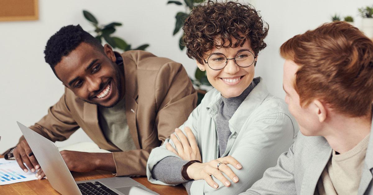 Un amico in ufficio è utile per lavorare meglio