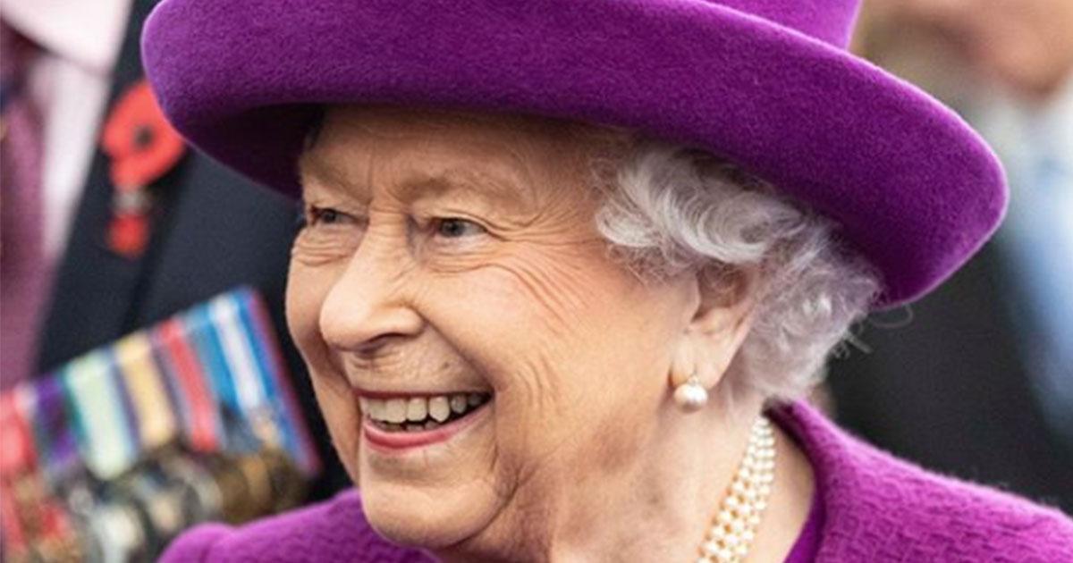 La Regina Elisabetta cerca un organizzatore di viaggi
