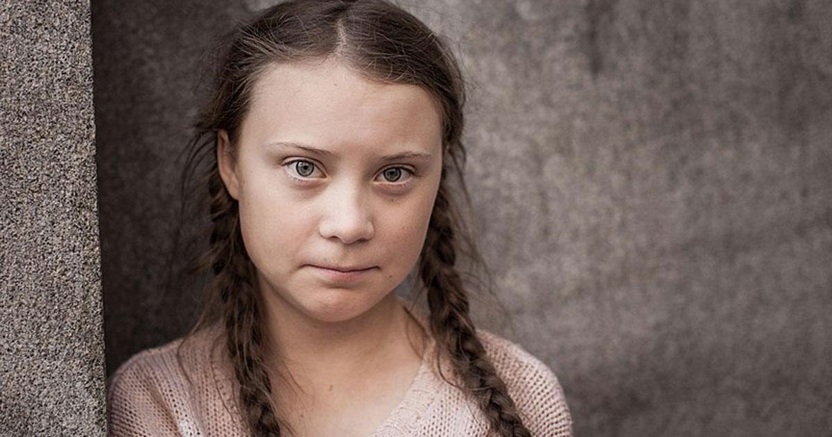 Greta Thurnberg compie diciassette anni e li festeggia in manifestazione