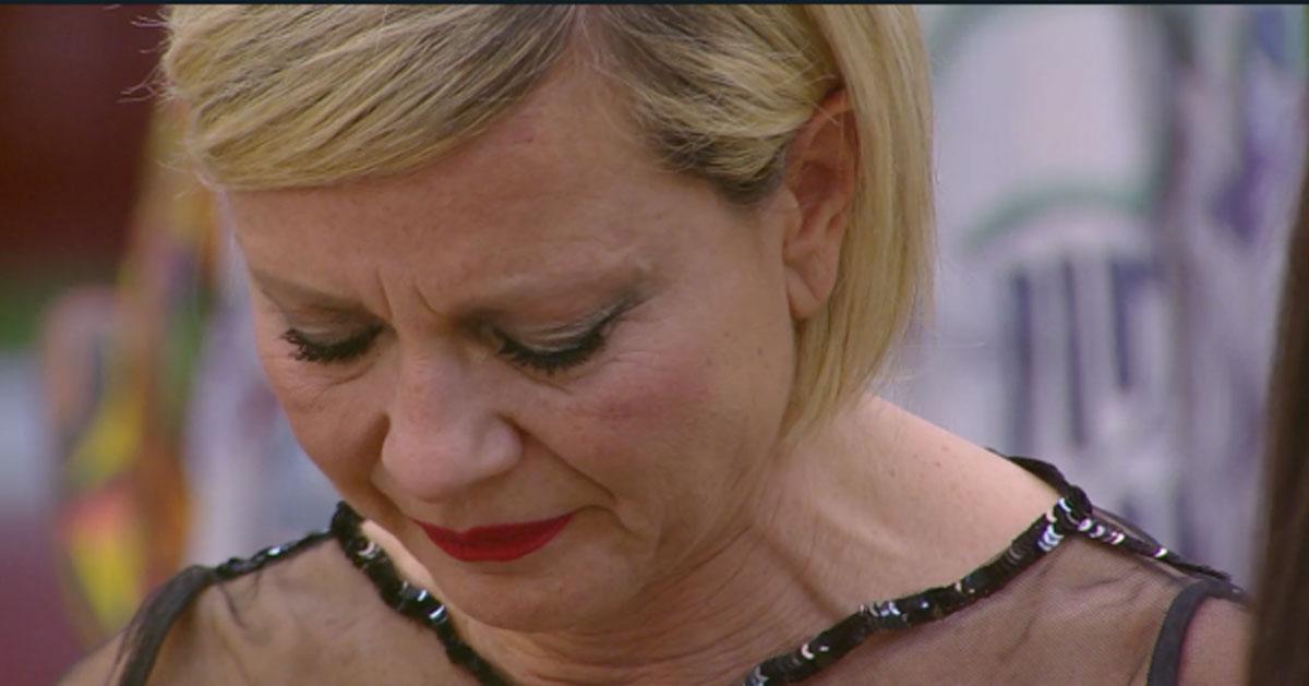 """Antonella Elia scoppia in lacrime al Grande Fratello Vip: """"Voglio andare via'"""