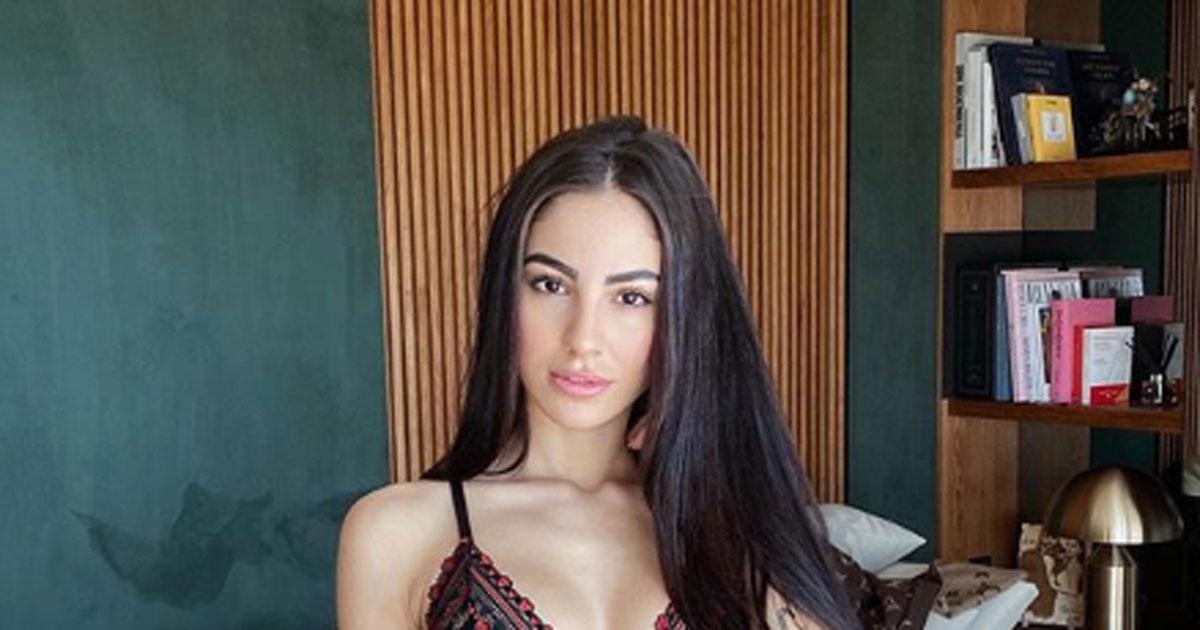 Giulia De Lellis più sensuale che mai: il completino intimo conquista i fan
