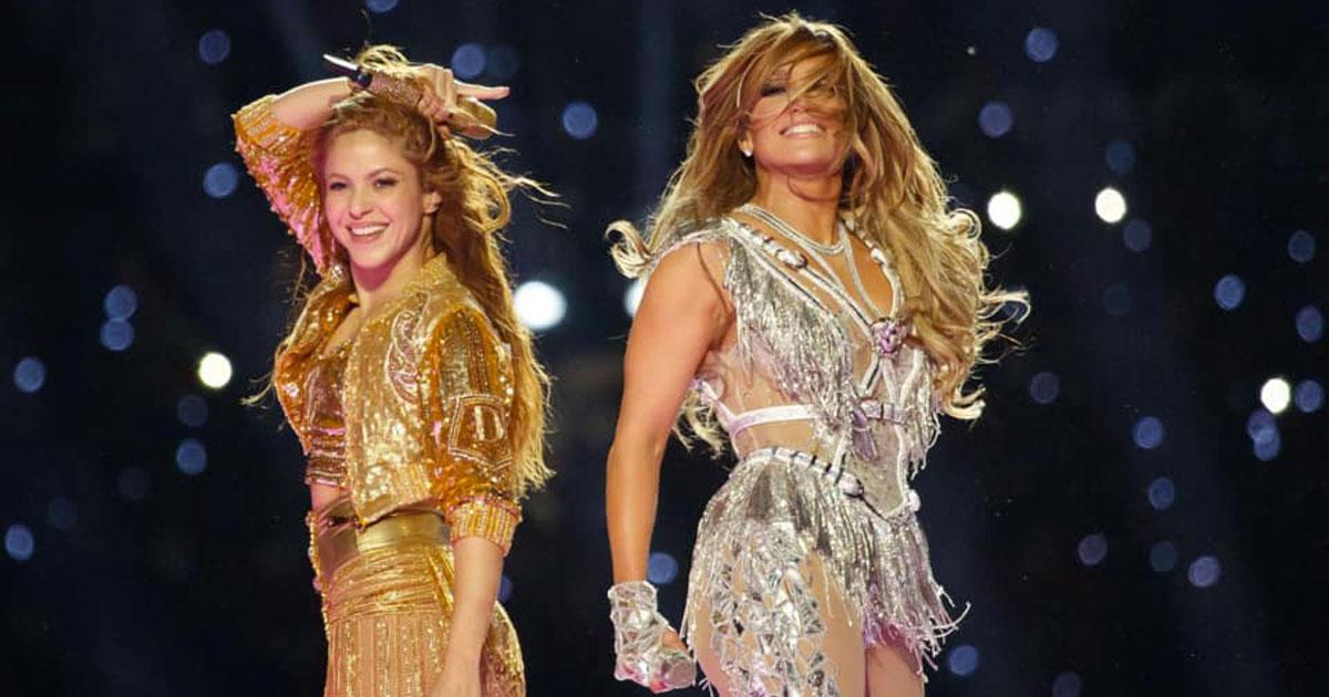 Super Bowl 2020: l'halftime show di Shakira e Jennifer Lopez è stato grandioso