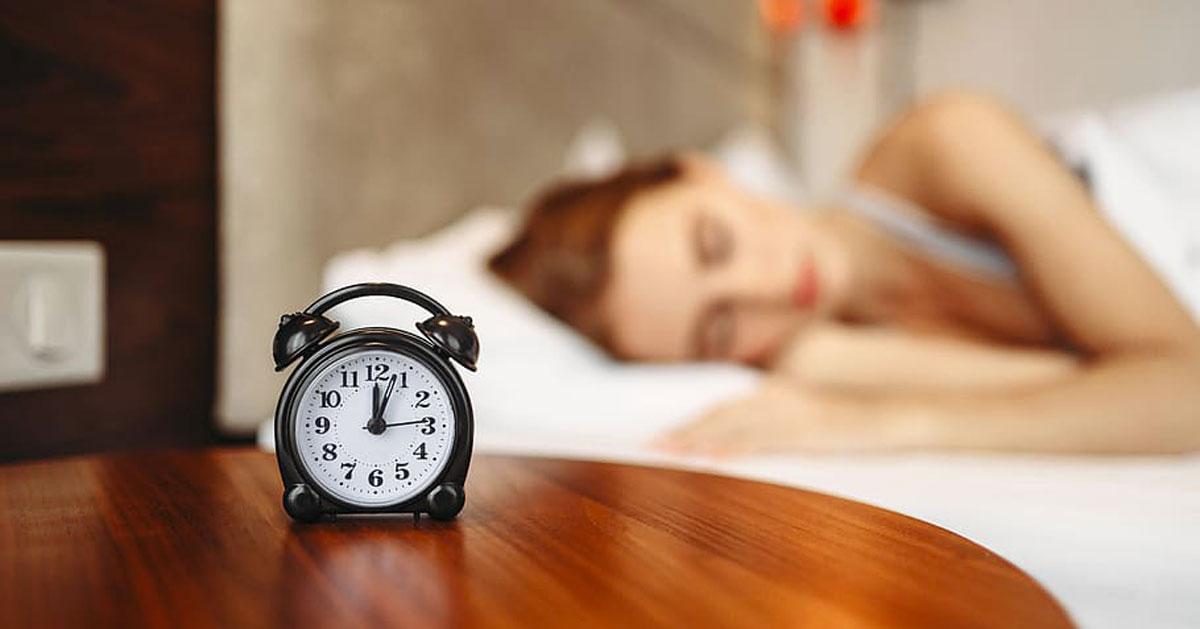 Il suono della sveglia può influenzare la nostra giornata: lo dice la scienza