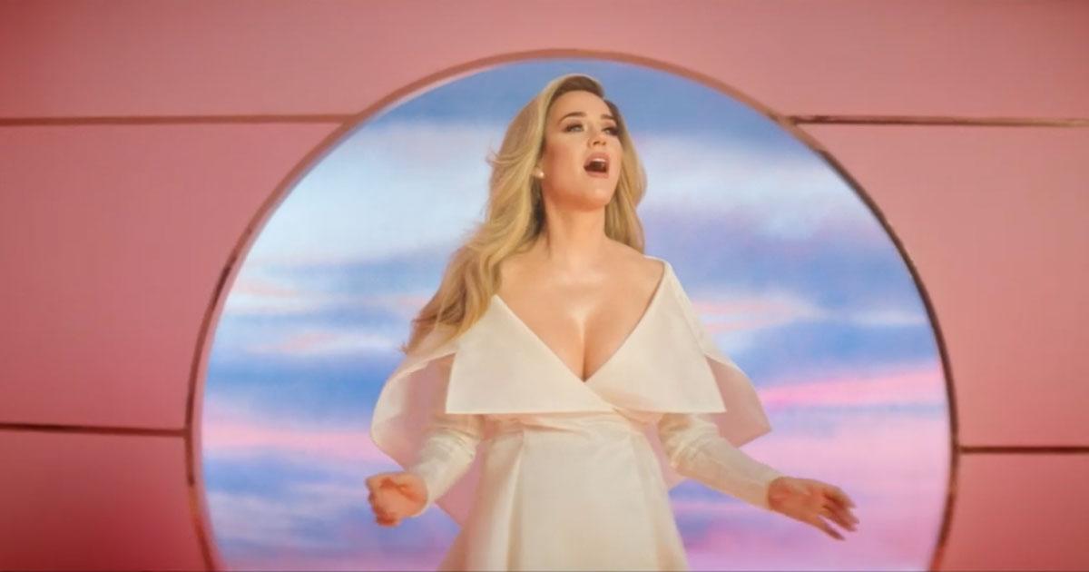 Katy Perry è incinta: ecco il video del suo nuovo singolo con il pancione