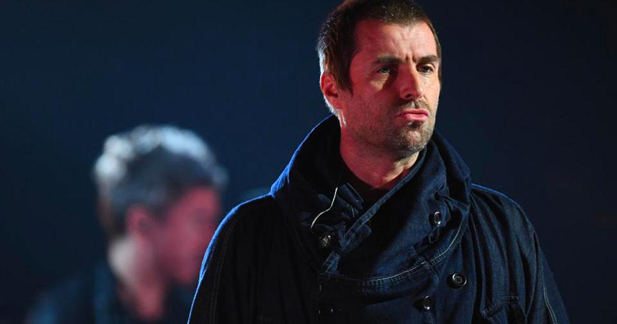 """Liam Gallagher al fratello Noel: """"Dobbiamo riunire gli Oasis per un concerto di beneficenza"""""""