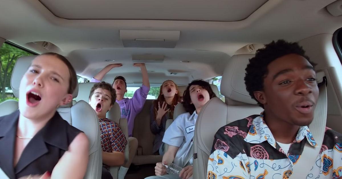 Gli attori di Stranger Things si cimentano in canzoni anni '80 al Carpool Karaoke