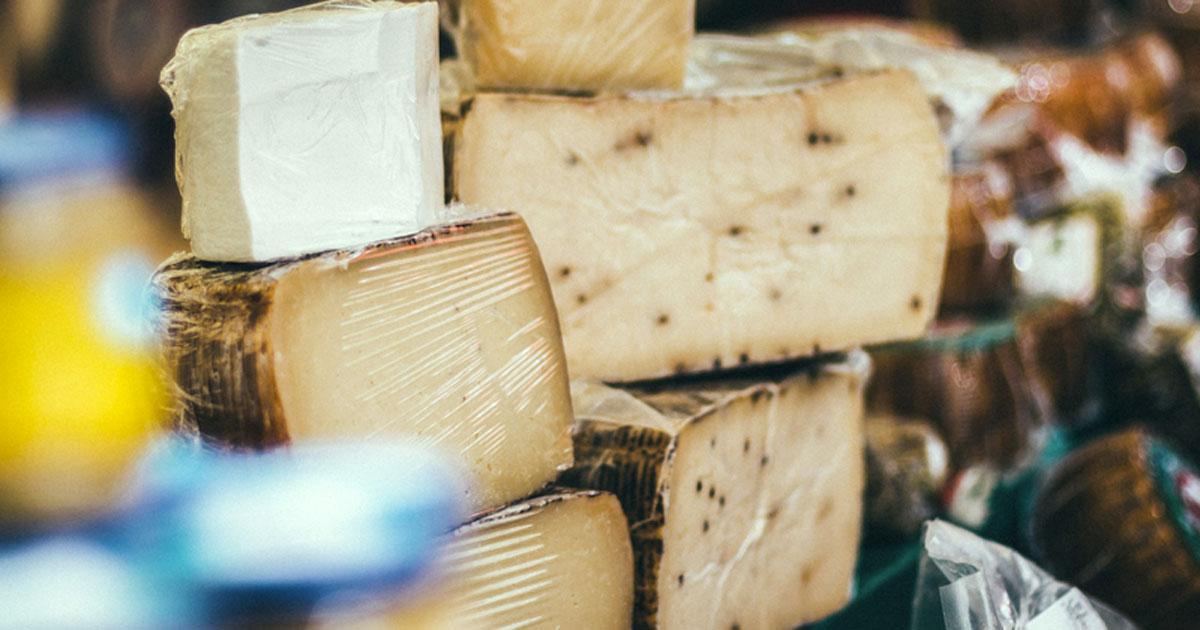 I formaggi non fanno ingrassare e non influiscono sul colesterolo: lo dice la scienza