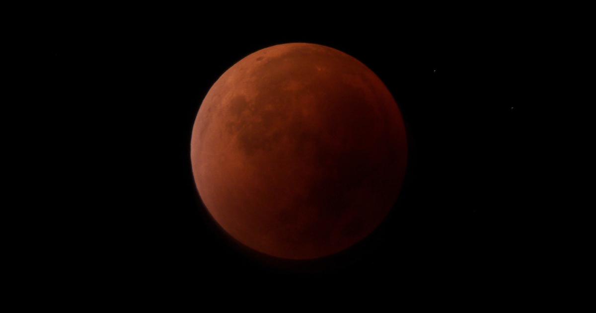 Il 5 giugno ci sarà l'eclissi penombrale di luna delle fragole