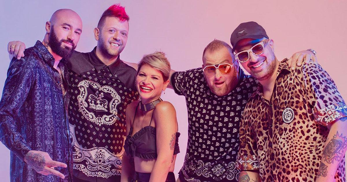 """Tornano i Boomdabash con Alessandra Amoroso: ascolta il nuovo singolo """"Karaoke"""""""