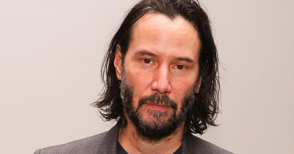 Keanu Reeves si mette all'asta per beneficenza: le offerte salgono alle stelle
