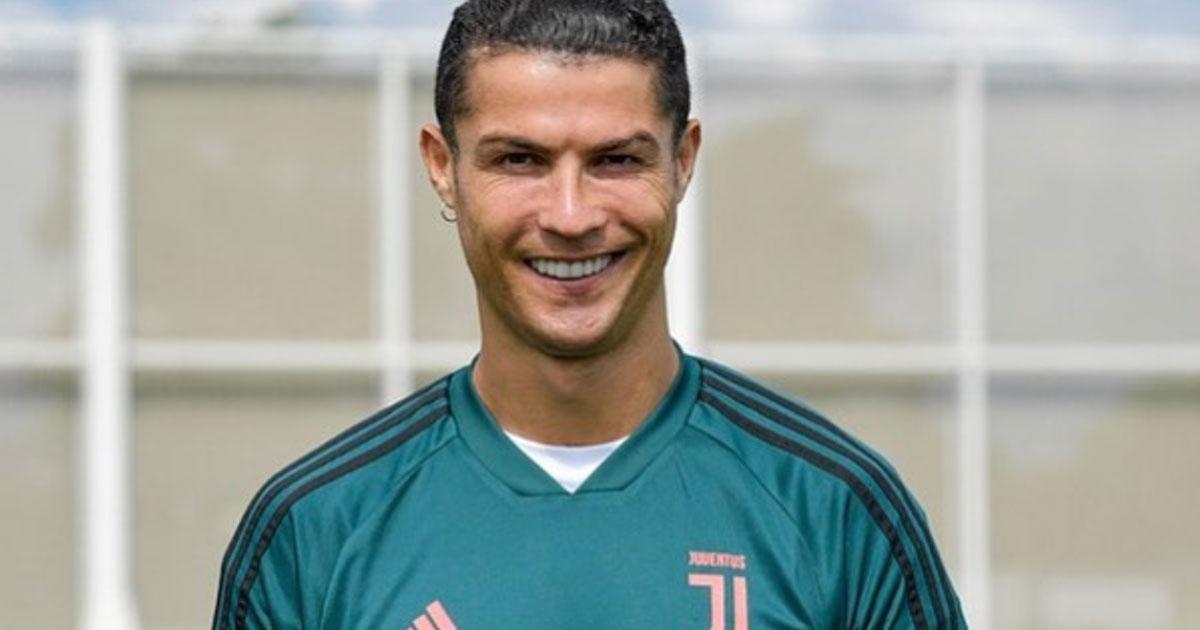 Cristiano Ronaldo diventa Aladdin: la festa in maschera per i figli