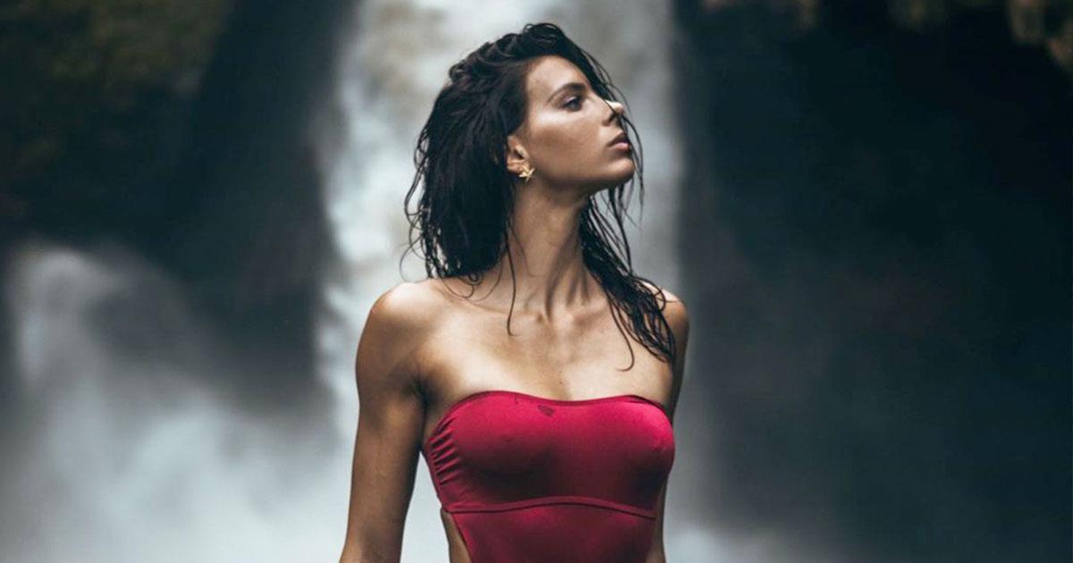 Giulia Calcaterra le prime foto in spiaggia