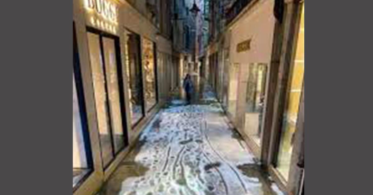 Grandinata a Venezia: e la città appare completamente imbiancata