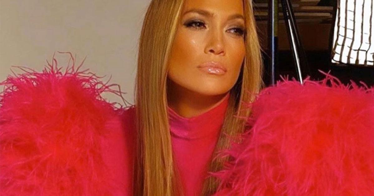 Jennifer Lopez adotta un tenero cucciolo di Goldendoodle: è dolcissimo