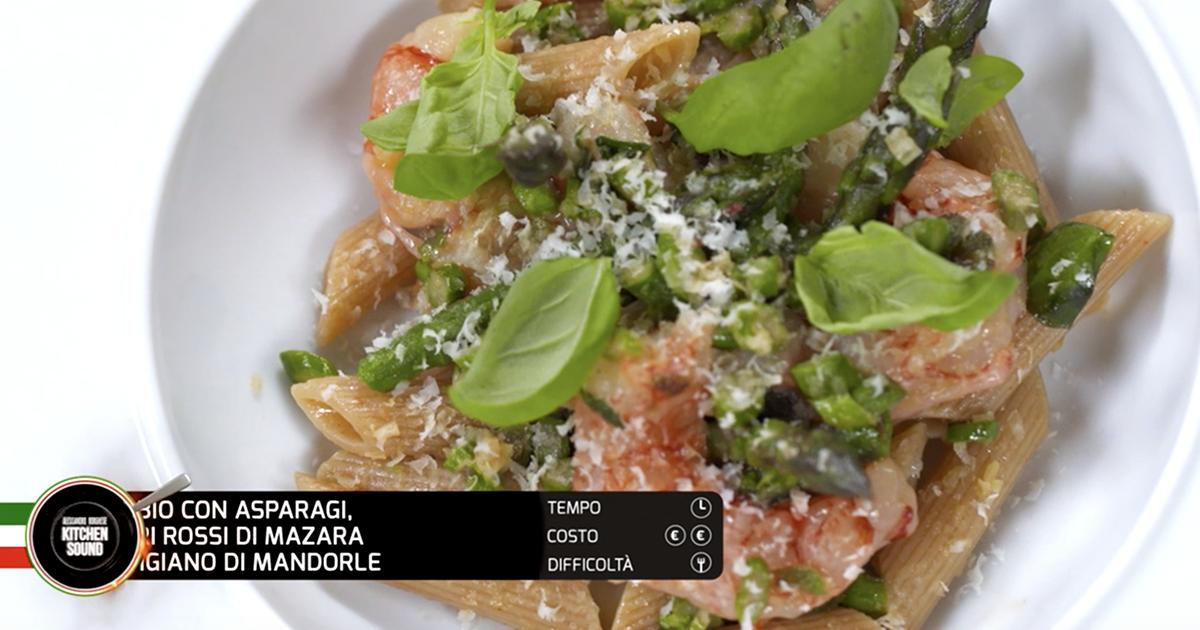 Penne bio con asparagi, gamberi rossi di Mazara e parmigiano di mandorle - Alessandro Borghese Kitchen Sound - Wellness
